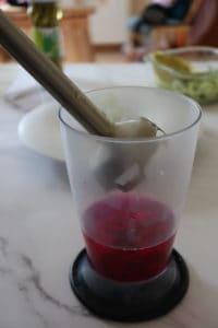 Frulla la pitaya con l'acqua